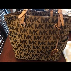 Authentic Michael Kors Jet Set Tote